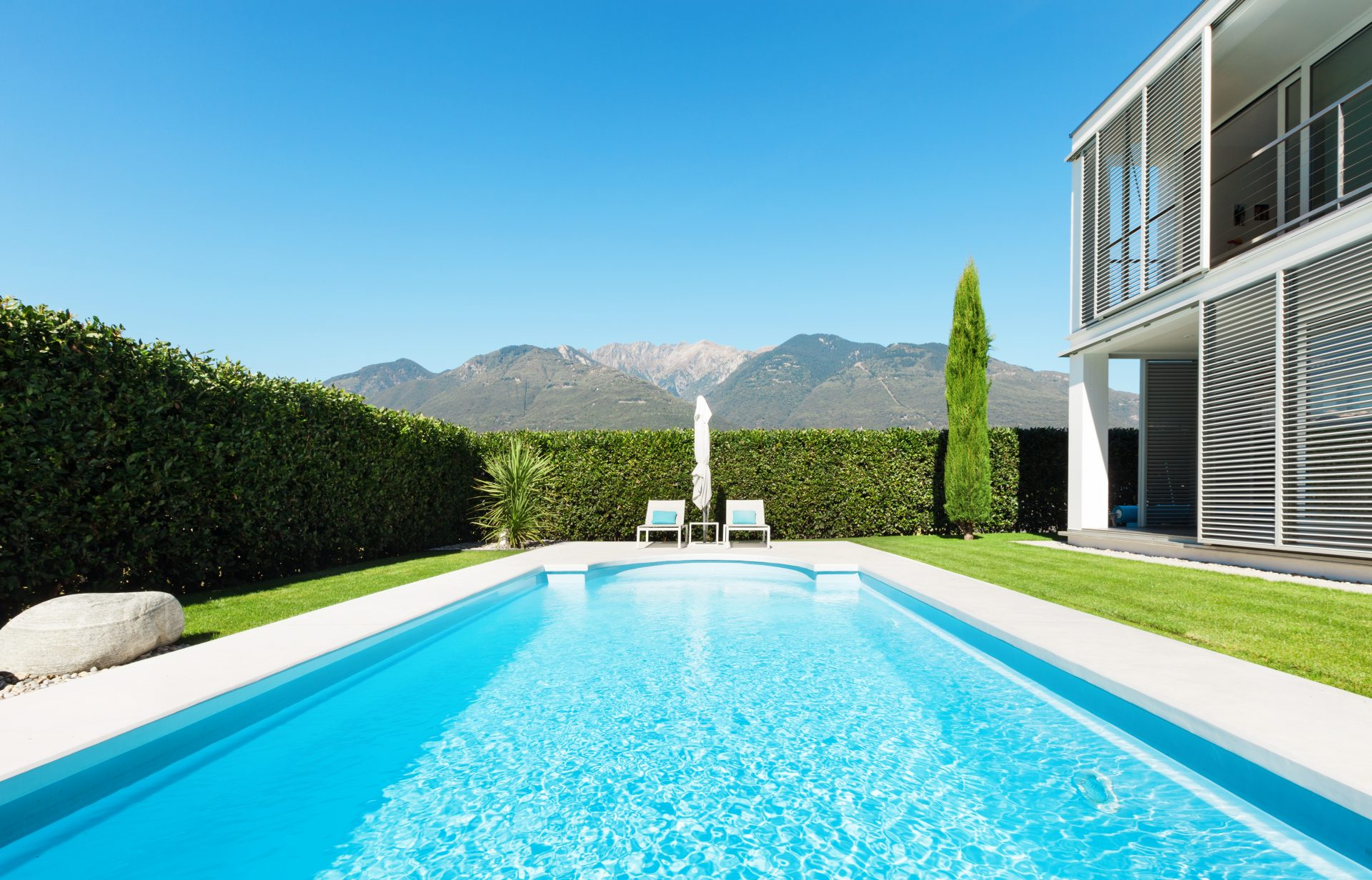 piscine coque acrylique